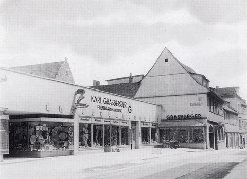Karl Grasberger - Brückenstraße - eröffnet 1946, zuletzt ab 24.4.67 am Zeughaus