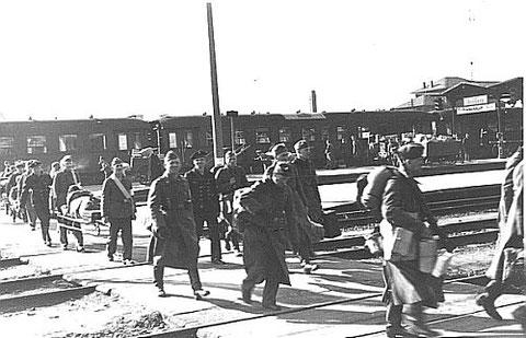 Verwundetentransport aus Rußland am Schweinfurter Hauptbahnhof (1942)