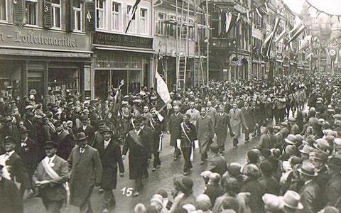 Umzug in der Spitalstraße 1. Mai 1933 - Danke an Karl Dill