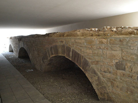 Die wiedergefundene alte Spitalbrücke