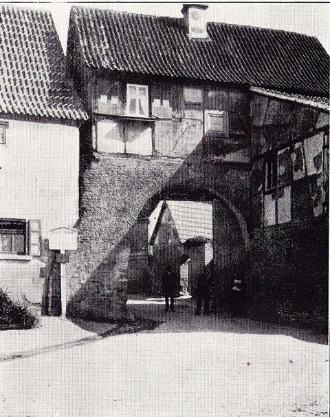 Schwebheimer Tor, noch erhalten von den Befestigungswerken des einst freien Reichsdorfes Gochsheim