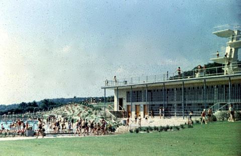 Das Sommerbad war auch eine tolle, neue Einrichtung und erfreute sich enormer Beliebtheit