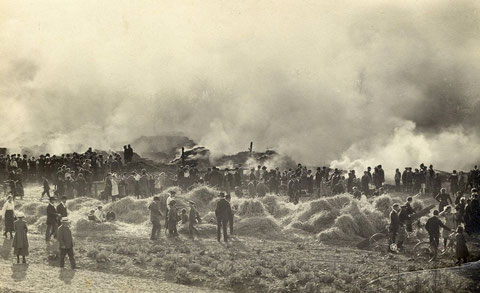 Der Scheunenbrand vom 16. Oktober 1921. 17 Scheunen am Gochsheimer Weg brannten völlig aus. Geräte und Futtervorräte wurden vernichtet. Brandstiftung wurde vermutet jedoch nie bewiesen