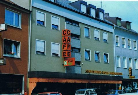 Das 1974 in der Hadergasse neu eröffnete Cafe Dill