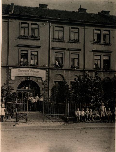 Ernst-Sachs-Straße 59 (damals Schweinfurter Straße 59) um 1918/20; Gärtnerei Hermann Winter
