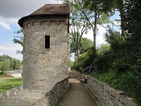 Der zweite Pulverturm dient heute als Treppenhaus
