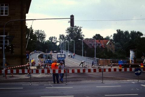 1997 - Die Verbreiterung der Fahrbahn