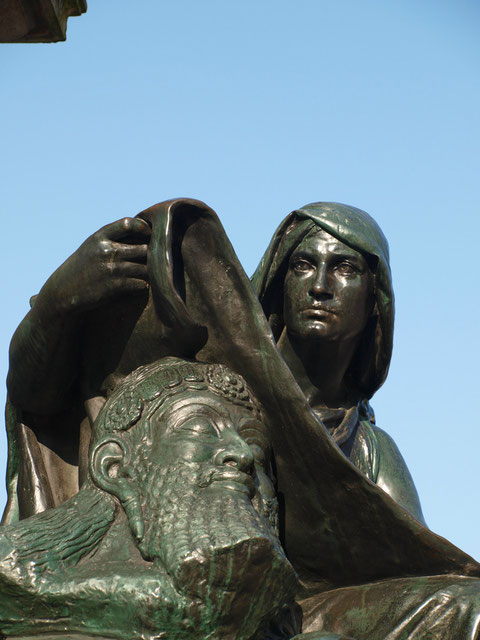 Allegorie - Rückertdenkmal auf dem Marktplatz