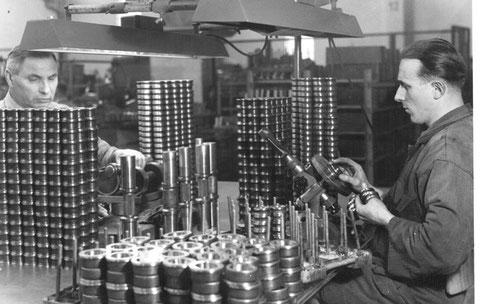 Endmontage und Qualitätskontrolle in den 1950ern