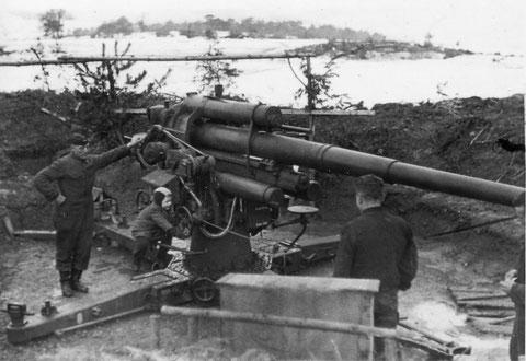 Flak bei Geldersheim - links Soldat Schlereth aus Sulzheim