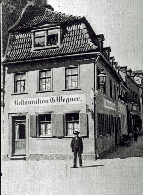 Georg Wegner, Wolfsgasse 1, um 1900