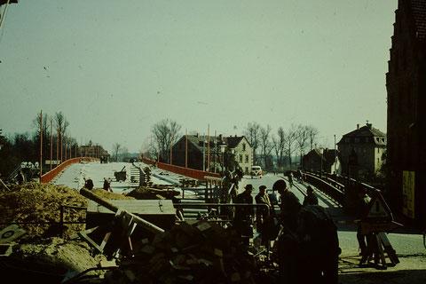 Neue und alte Maxbrücke Ende 1959