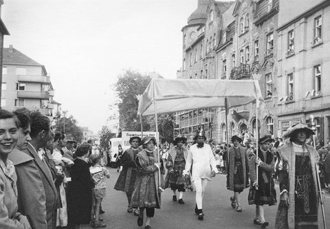 3.6.1956 - Märchenzug zur Eröffnung des Volksfestes