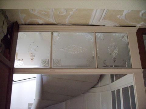 Geätzte Scheiben im Treppenhaus