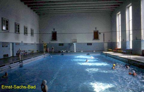 Schwimmhalle in den 1960ern