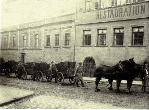 Kokstransport in der Rückertstraße um 1900