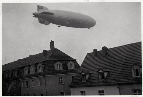 Zeppelin über der Landwehrstraße 1934