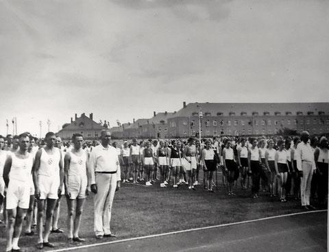 Aufmarsch Sommerspielmeisterschaften Schweinfurt 1936