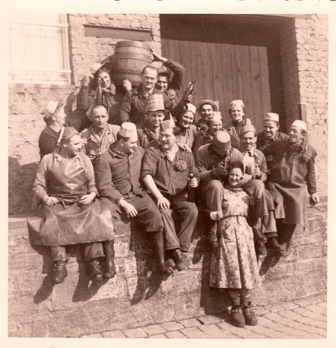 Belegschaft feiert Fasching ca. 1960 - Danke an Karl-Heinz Hruschka