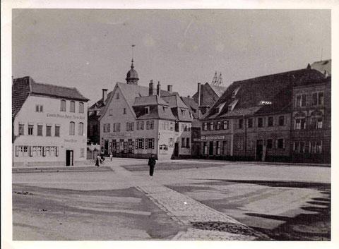 vor 1912 (das Haus links wurde 1912 abgerissen und neu erbaut) - Danke an Hans Richter