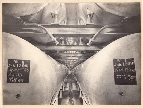 Lagerkellerabteilung aus dem Jahr 1912: 16 Aluminiumtanks je 120 Hektoliter, ausgebaut und erneuert in den 1980ern