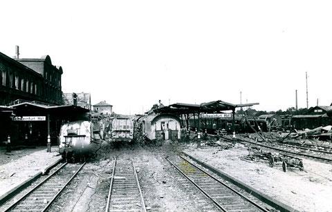 Hauptbahnhof nach einem Fliegerangriff - 1943/44