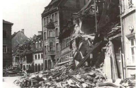 nach einem Bombenangriff im Zweiten Weltkrieg - mit Fischhaus Dittmar