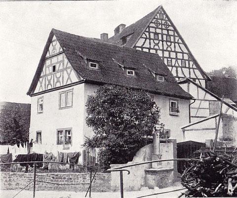 Haus mit St. Wendelinsäule