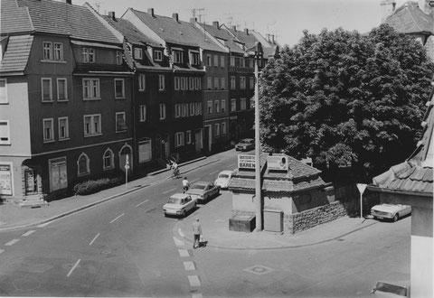 Friedhofstraße mit Gaststätte zum Schwarzen Bären 1976