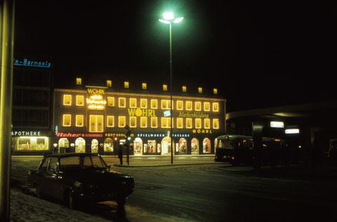 Dezember 1965 - Roßmarkt weihnachtlich - Modehaus Wöhrl