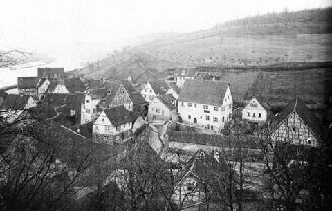 Mainberg ca. 1888 - links der Dorfkern