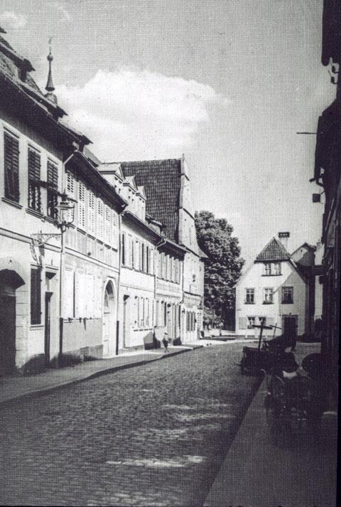 Burggasse Richtung Salvatorkirche um 1905