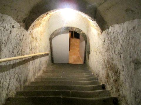 Hinab in das Kellergewölbe...