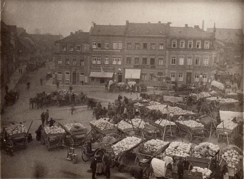 Krautmarkt (weiter links zum gleichen Zeitpunkt)