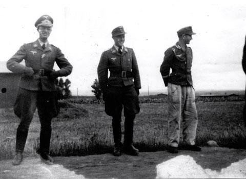 v.l. Oberleutnant Dr. Meier-Wegelin, Batteriechef, Leutnant Stret