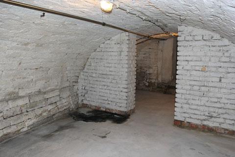 Keller 1 in Gegenrichtung