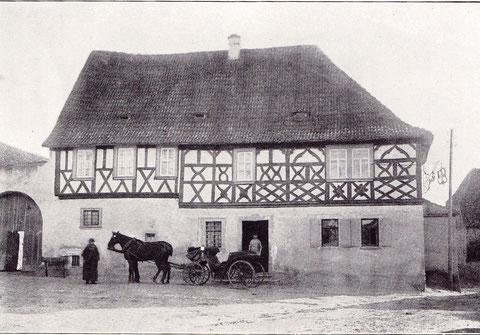 """Gsthaus """"Zum goldenen Kreuz"""", erbaut im Jahre 1782 - außergewöhnliches Fachwerk im Obergeschoss"""