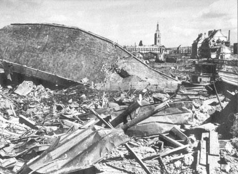 FAG-Gelände nach Bombenangriff