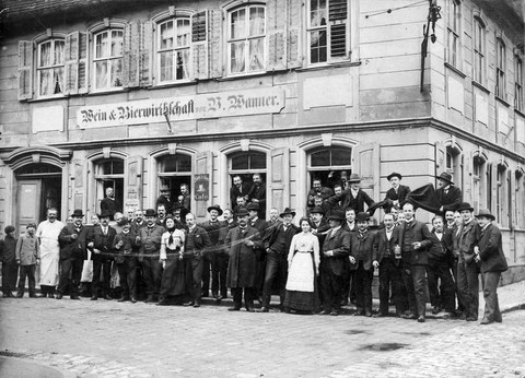Schlachtschüssel des Ruderclubs 1903 - Ecke Metzger-Judengasse: Café Langer