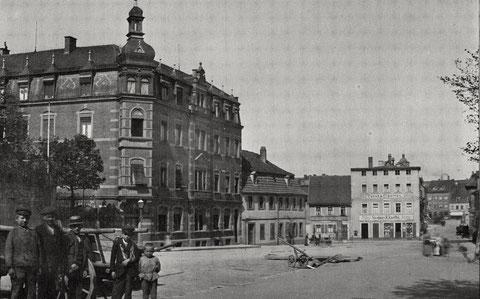 links die Markthalle am Jägersbrunnen