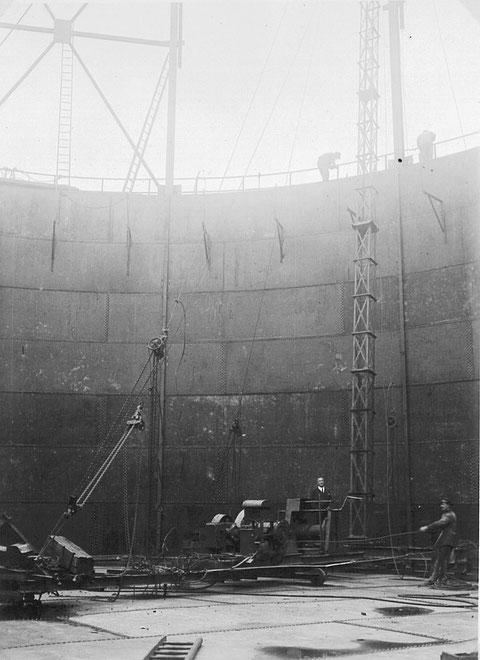 Gasbehälterbau im Gaswerk 1936