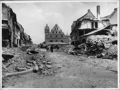 Zweiter Weltkrieg nach einem Bombenangriff