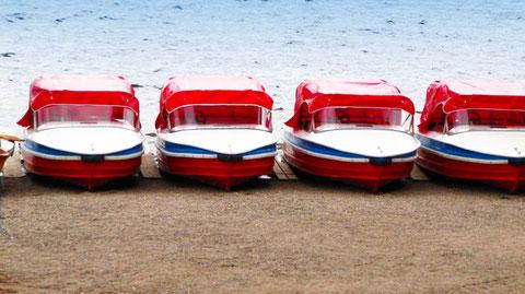 Das Unwetter naht. Tretboote  sind abgedeckt. Morgen ist auch wieder ein (schöner) Tag.