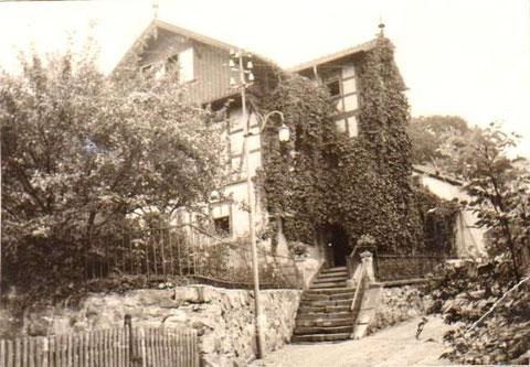 Sammlung Familie Eberlein - rechts die Scheune gehörte einmal zur Klosterbrauerei, die damals den Thüringer Hof besessen hatte
