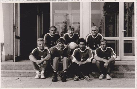 Noch hübschere Dynamo Jungens mit Klaus Brüsch, Peter Scharfenberg, Udo Rommel (hinten von links) und vorne von links Lothar Gernoth, Hartmuth Gießler, Heinz Schmidt und Wolfgang Ludwig