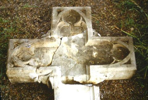 Grabstein von Georg Zocher, der in den 1970ern noch existierte - Aufgefunden von Josef Malek Archiv W.Malek