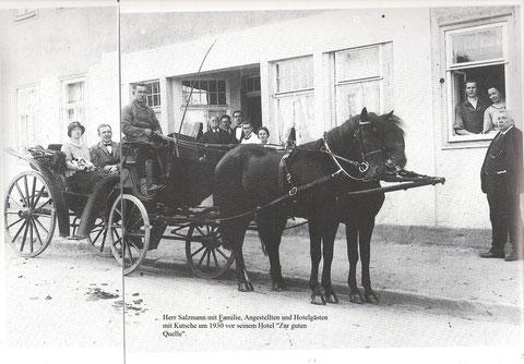 rechts Herr Rudolf Salzmann