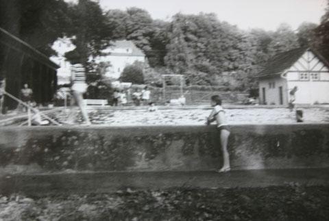 Schwimmbad am Elisabethpark Anfang 1950er