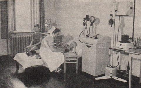 Behandlungsraum im Kindersanatorium von  Haus Thüringen - Aus: Bad Liebenstein, das Herzbad der DDR