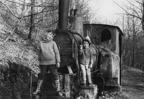 Alte Lok der ehemaligen Kleinbahn von Steinbach nach Atterode an der sogenannten Drehscheibe - Quelle Frank Heller